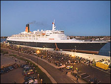 The QE2 docked at Northumbrian Quay