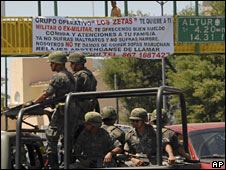 Banner in Nuevo Laredo signed by the Zetas calling on people to join them - file photo from April 2008