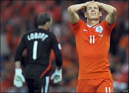 Robben shows his frustration
