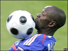 Claude Makelele in action for France