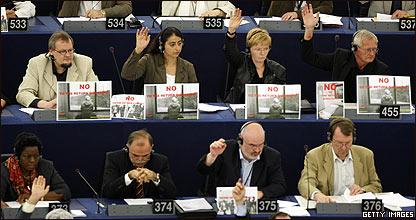 Parlamento Europeo aprueba polémica directiva.