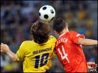 لقطة من مباراة روسيا والسويد