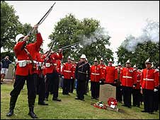 Soldiers being honoured by gun salute