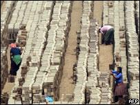 Fabricación de ladrillos en Perú