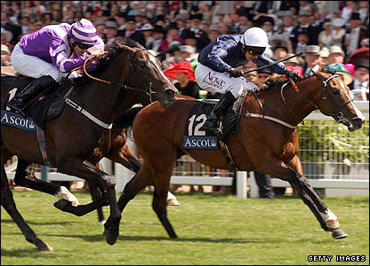 South Central pips Spin Cycle to victory in the Norfolk Stakes