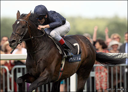 Yeats romps to victory in the Gold Cup