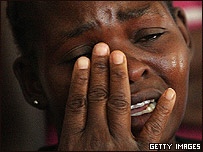 Mujer africana llorando