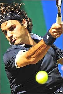 Roger Federer durante la final del torneo de Halle