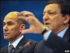 European Commission President Jose Manuel Barroso (R) and Slovenia's Prime Minister Janez Jansa, 20 June