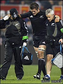 Richie McCaw is helped off in Christchurch