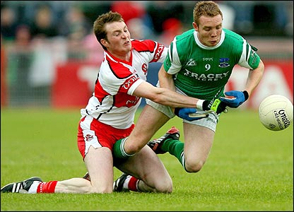 Derry's Joe Diver in action against Mark Murphy