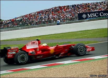 Massa leads the Grand Prix
