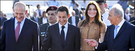 (L to R): Ehud Olmert, Nicolas Sarkozy, Carla Bruni-Sarkozy, Shimon Peres