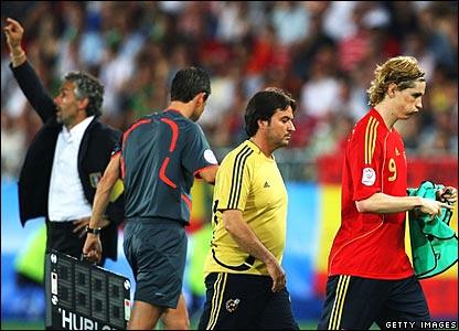 Roberto Donadoni (l); Fernando Torres (r)