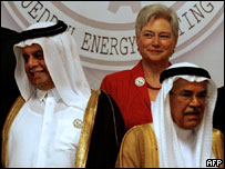Ministra de Economía de Holanda junto a los ministros de Energía de A. Saudita y Qatar