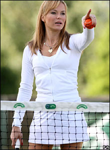 Actress Amanda Holden plays members of the public