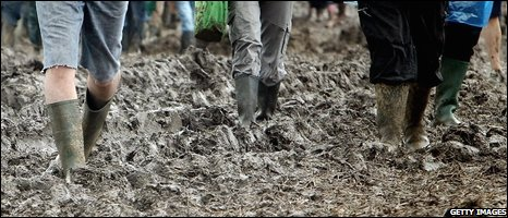 Mud and rain at Glastonbury 2007