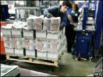 Periódicos a punto de ser distribuidos