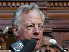 File photo of Mark Thatcher outside court in South Africa, 13 January 2004