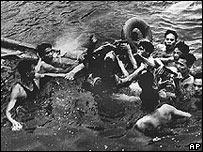 Джона Маккейна взяли в плен в Ханое