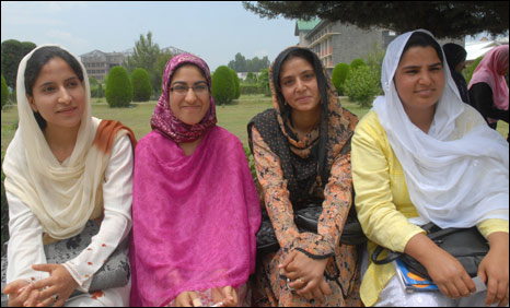 Salfia (left) with her friends in Kashmir University in Srinagar (Photo: Nissar Ahmad)