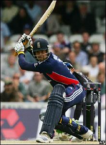 Owais Shah hits out against Daniel Vettori