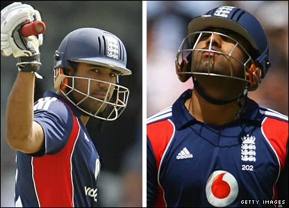 Ravi Bopara lifts his bat after reaching 50, then looks at the sky after getting out