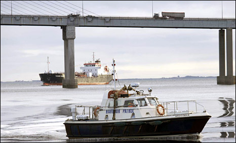 Inverness Harbour patrol boat and Kessock Bridge (Pic: IHT)