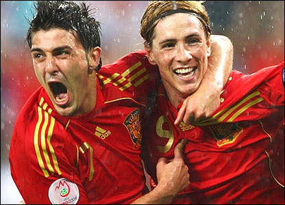 Spain strikers David Villa (left) and Fernando Torres could cause havoc