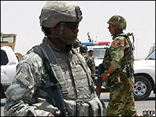US and Iraqi soldiers on patrol in Mosul
