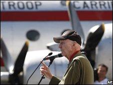 Gail Halvorsen, former US airlift pilot, 26/06/08