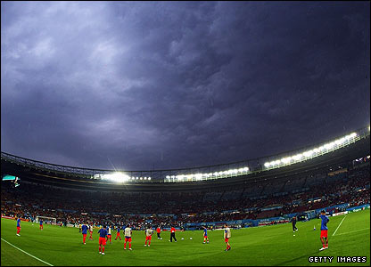 Threatening black clouds loom over the Ernst Happel Stadion