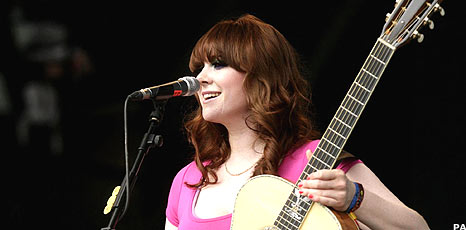 Kate Nash opens Glastonbury 2008