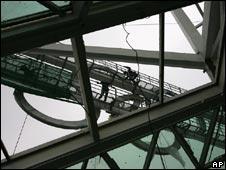 Workers complete Olympics facilities in Beijing