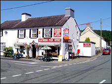Llanwrdr post office