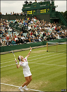 Kuznetsova prepares to serve