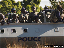 Police are transported for deployment in Harare, 27 June 2008