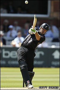 Jacob Oram batting at Lord's