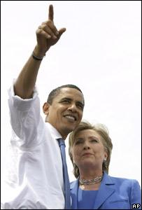 Los demócratas Barack Obama  y Hillary Clinton
