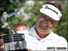 Kenny Perry with the Buick Open trophy