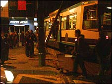Tram derailment (pic:David Thomson)