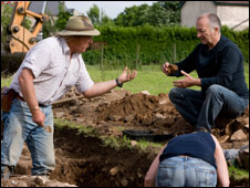 Archaeologist Phil Harding (left) with Tony Robinson during the dig