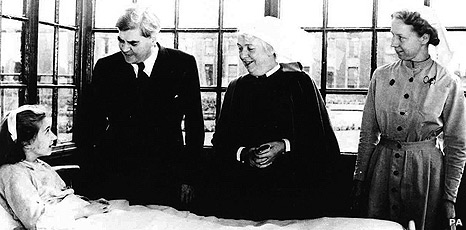 Minister of Health Aneurin Bevan (second left) at Manchester's Park Hospital in 1948