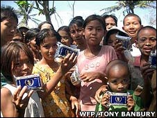 Children with ration packs