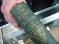 Ejemplar de El Origen de las Especies