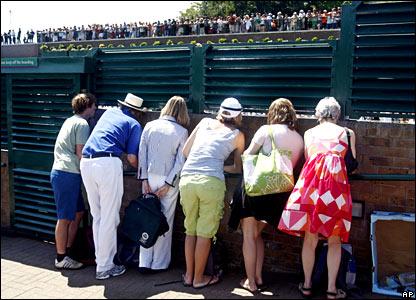Wimbledon onlookers