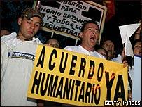 Colombianos piden liberaci�n de secuestrados (Foto de archivo)