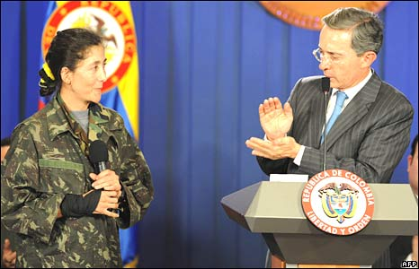 Ms Betancourt and President Uribe at presidential palace