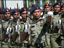 Soldiers march in Dili on 20 May 2008
