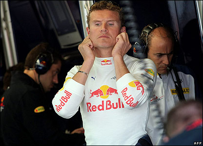 Coulthard gets ready to pratice